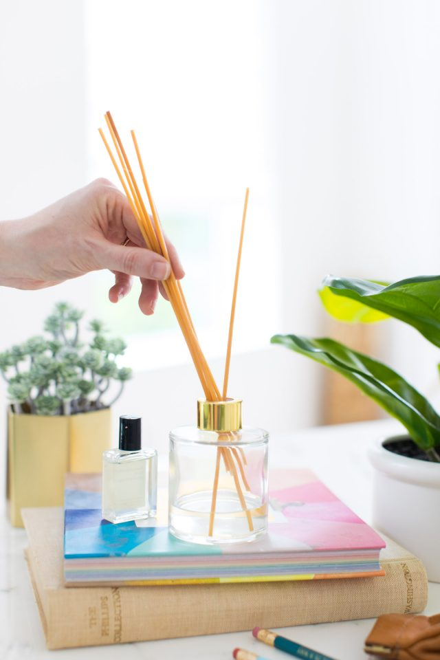 photo of how to make a reed diffuser