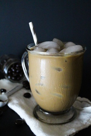 a simple iced coffee recipe in less than 5 minutes
