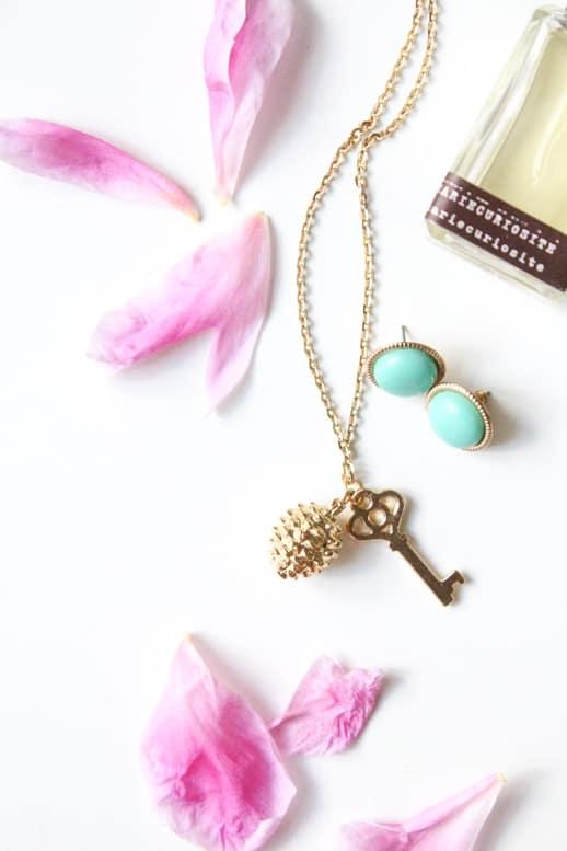DIY Golden Charm Necklace - Sugar & Cloth - Houston Blogger - DIY