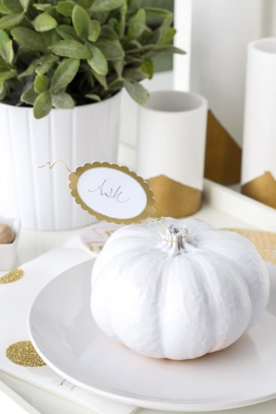 DIY Simple pumpkin leaf place cards - sugar and cloth