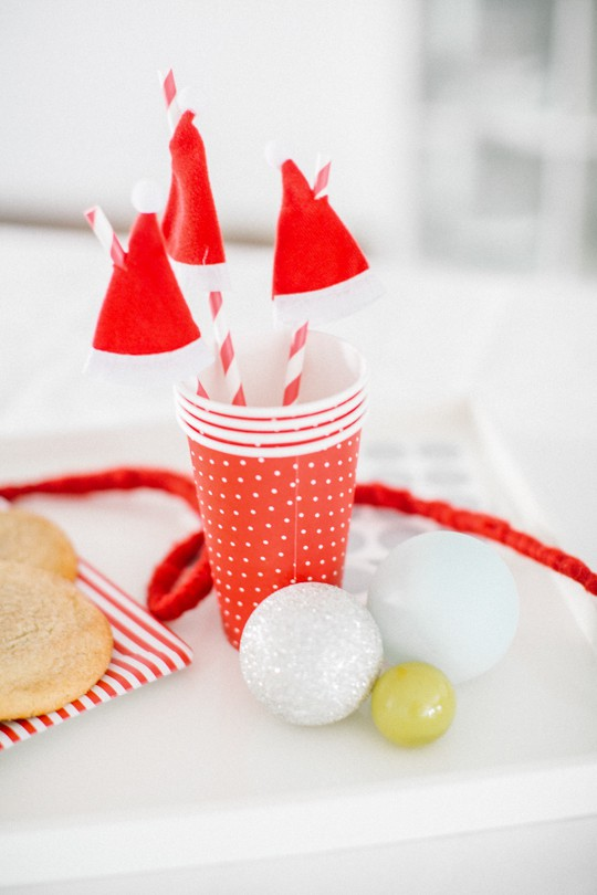 One Minute Santa Hat Straw Toppers - Holidays - Sugar & Cloth - DIY - Entertaining - Houston Blogger