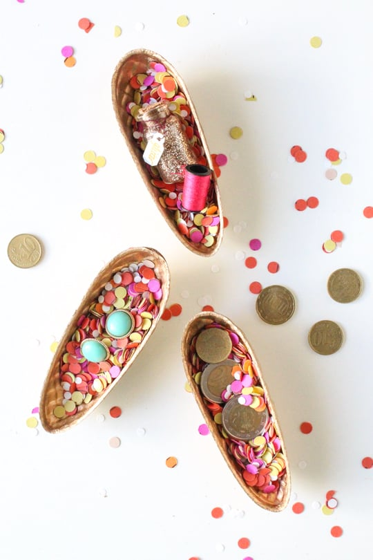 DIY Surprise Pinecone Gift Boxes - Sugar & Cloth - Holidays - DIY