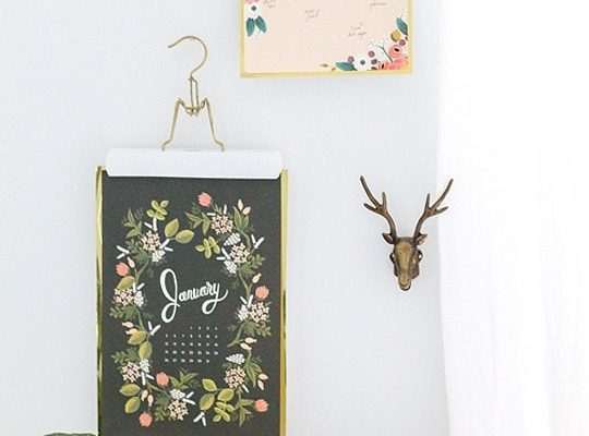 DIY Metallic Calendar Wall Hangs - sugar and cloth