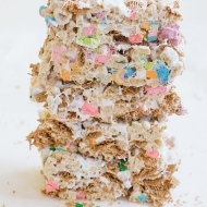 No Bake St. Patrick's Day Cereal Bars - Sugar and Cloth