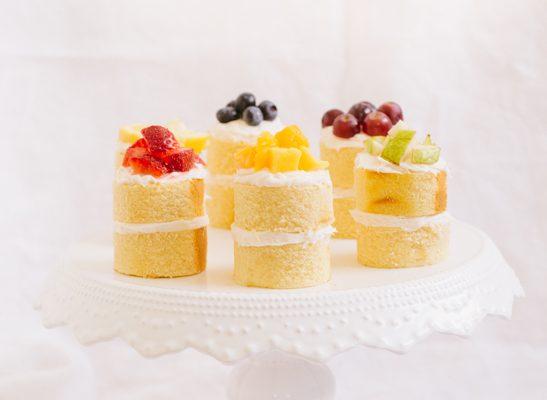 mini rainbow cake recipe   sugarandcloth.com