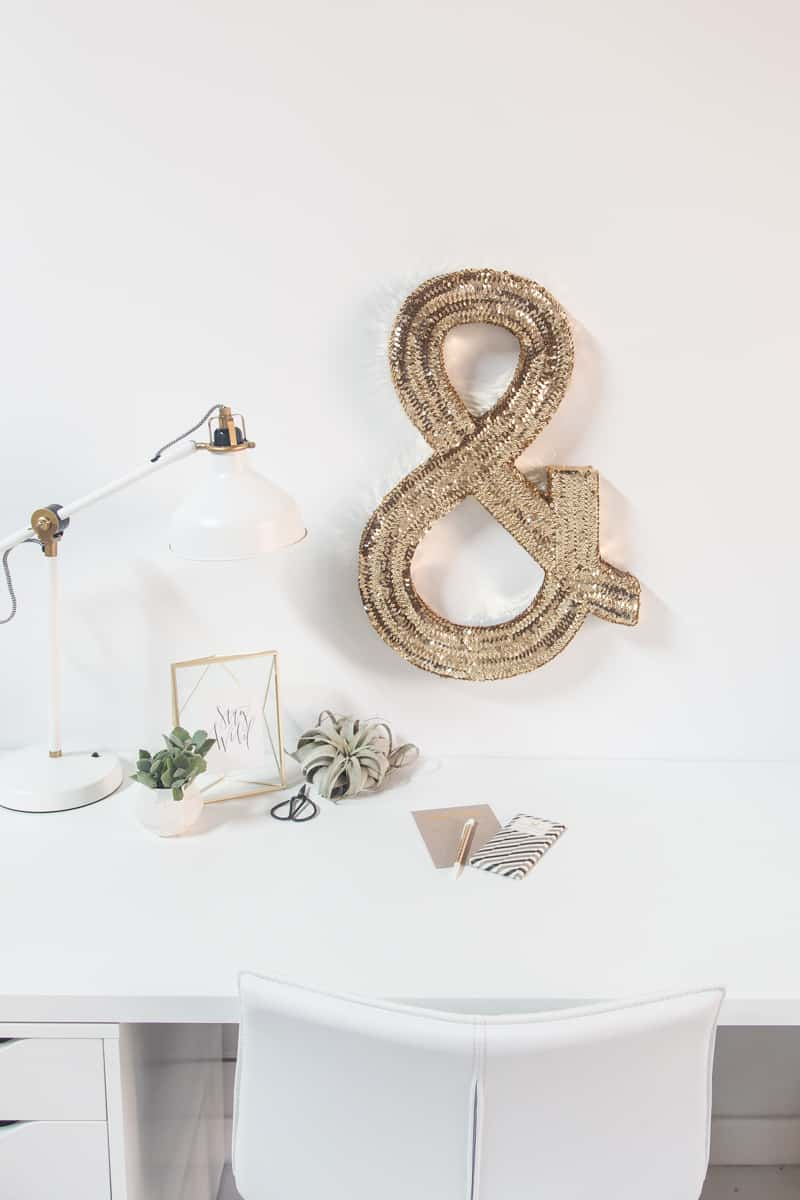 DIY jumbo sequin monogram | sugarandcloth.com