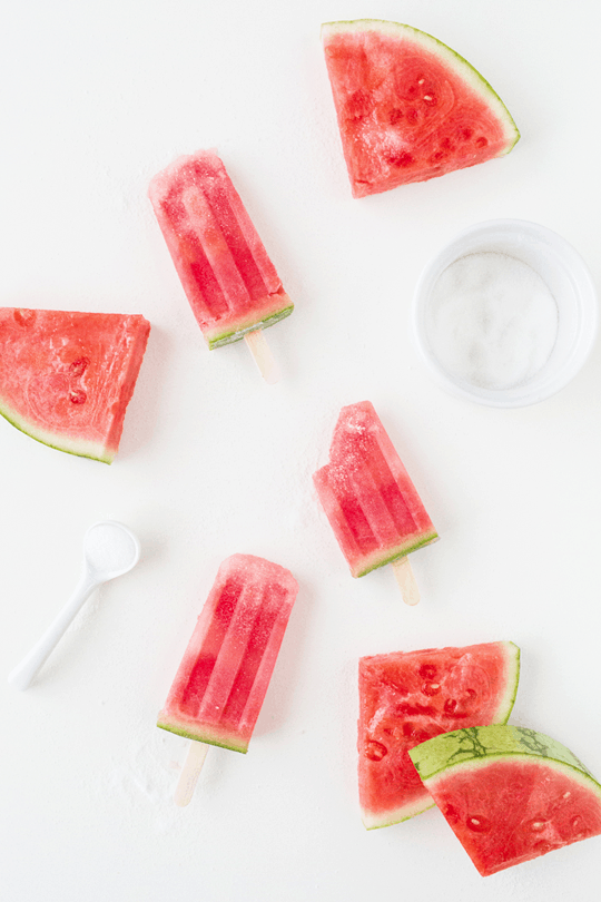 Spiked crushed watermelon popsicles| sugarandcloth.com