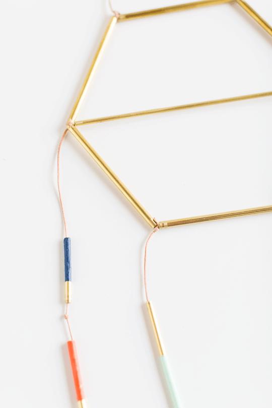modern metallic dreamcatcher DIY | sugarandcloth.com