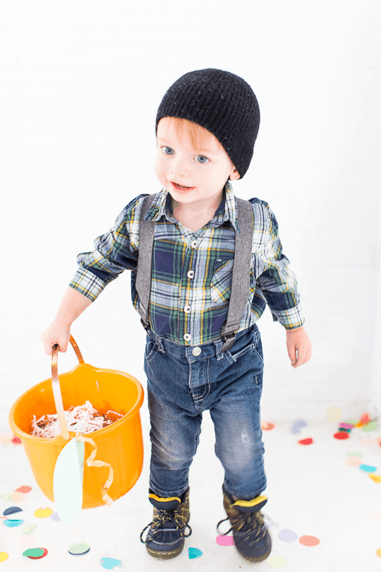 DIY pumpkin candy bucket | sugarandcloth.com