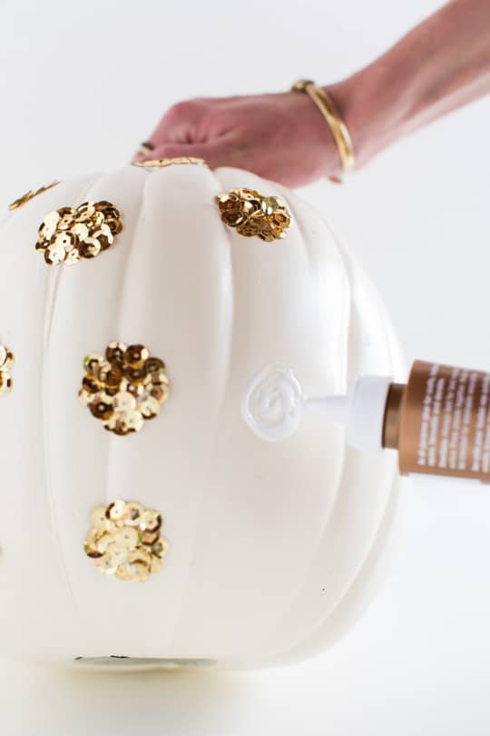 Step 1 -DIY Sequin Polka Dot Pumpkin by top Houston blogger Ashley Rose | sugarandcloth.com #halloween #festive #pumpkin #sequin #fall #thansksgiving #diy #diypumpkin #glam #glamhalloween #homedecor #diydecor #polkadot