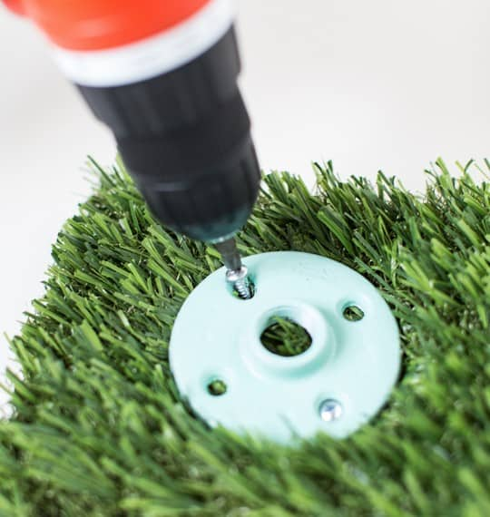 DIY football washers yard game | sugarandcloth.com