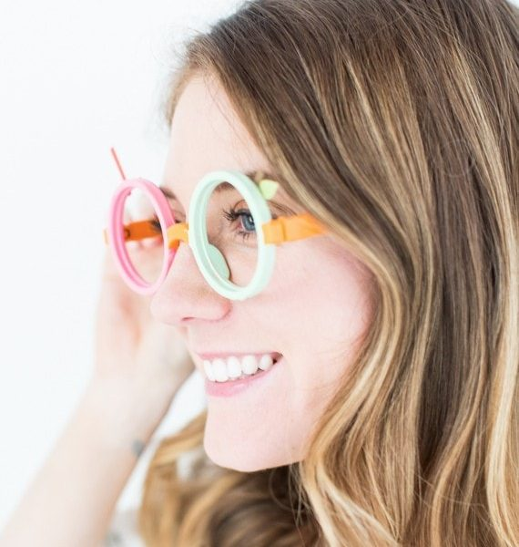 DIY fruit loop glasses costume | sugarandcloth.com