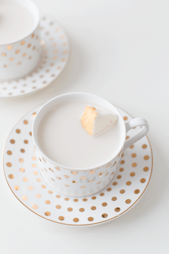 peppermint white hot chocolate recipe with champagne marshmallows   sugarandcloth.com