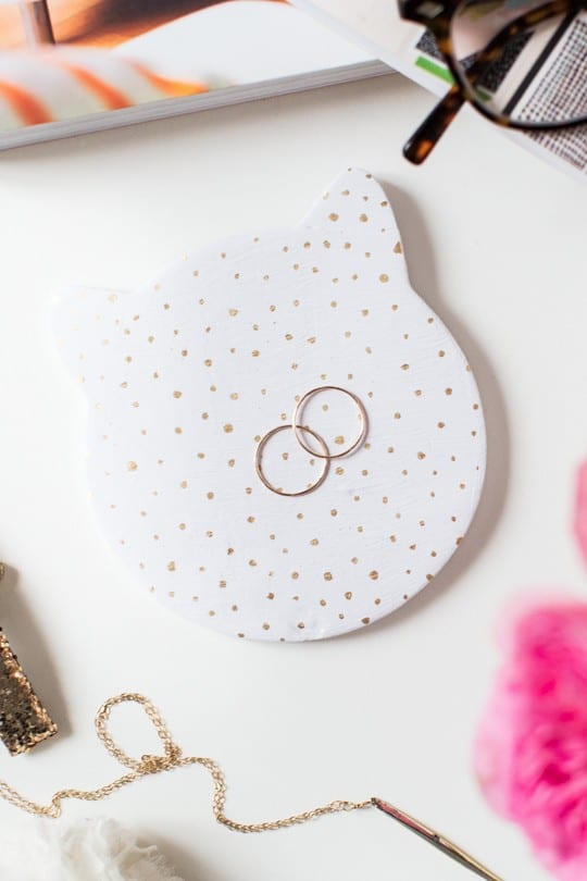 DIY cat trinket dish @purinaFF | sugarandcloth.com