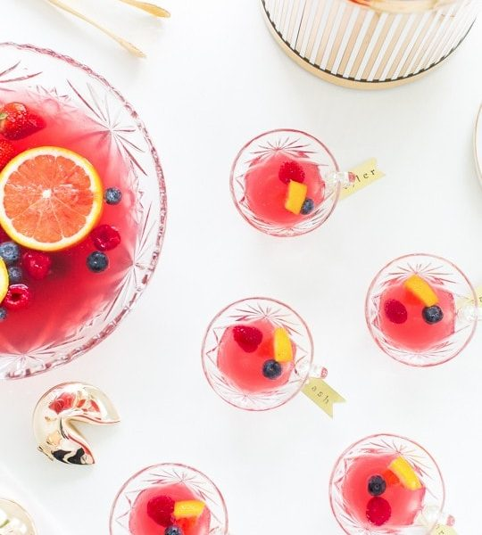 Mixed berry punch recipe & brass drink tag DIY | sugarandcloth.com