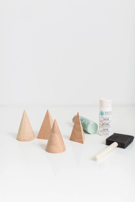 Step 1 : DIY Mini Wooden Christmas Trees by top Houston Blogger Ashley Rose - Sugar & Cloth - DIY Christmas Decor - Holiday Decor #christmas #holiday #xmas #christmasdecor #holidaydecor #wood #tree #christmastree #diydecor #diy #homedecor