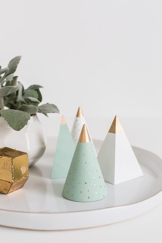 DIY Mini Wooden Christmas Trees by top Houston Blogger Ashley Rose - DIY Christmas Decor - Holiday Decor #christmas #holiday #xmas #christmasdecor #holidaydecor #wood #tree #christmastree #diydecor #diy #homedecor