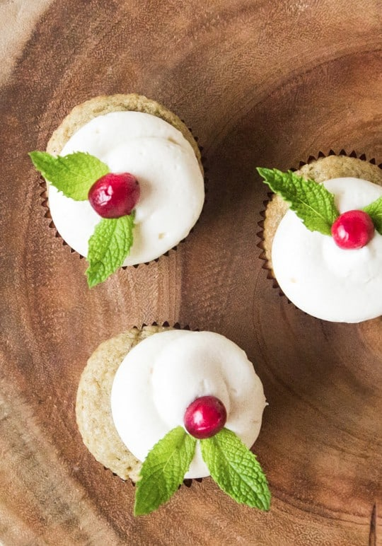 13 cupcake toppers in 10 minutes