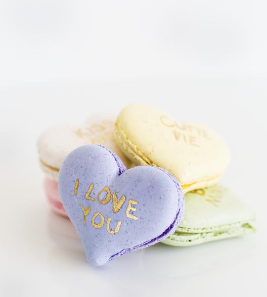DIY conversation heart macarons | sugar & cloth
