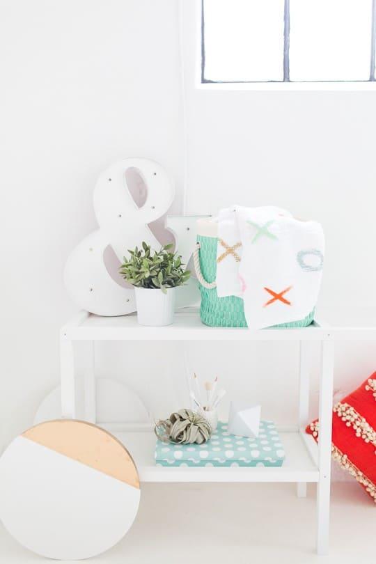 DIY XOXO Throw Blanket | sugar and cloth