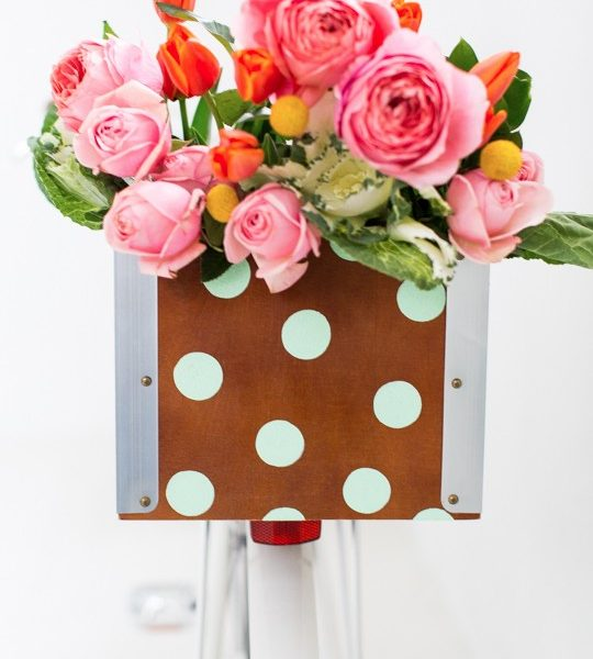 DIY polka dot bicycle basket! | sugar & cloth