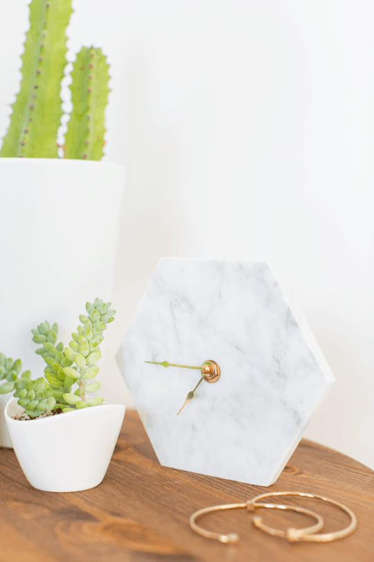 DIY mini hexagon marble wall clock | sugar & cloth