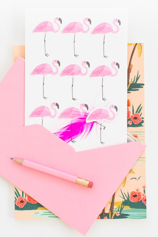 9 Flamingo must-have products for your Signature Style! - Sugar & Cloth #signaturestyle