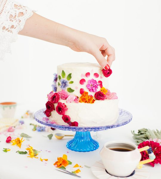 DIY abstract floral pattern cake - Sugar & Cloth