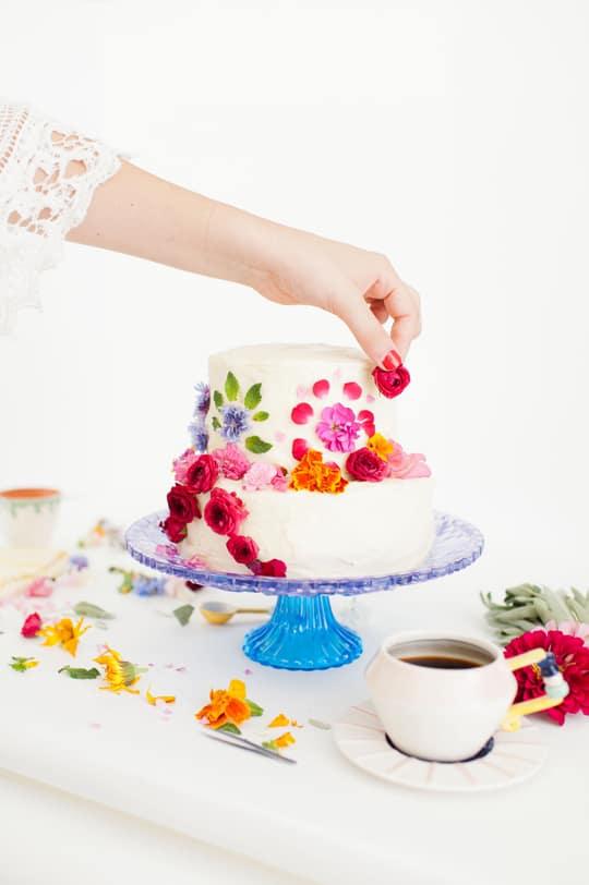 DIY abstract floral pattern cake - Sugar & Cloth
