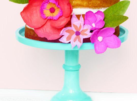 DIY paper flower cake topper - Sugar & Cloth