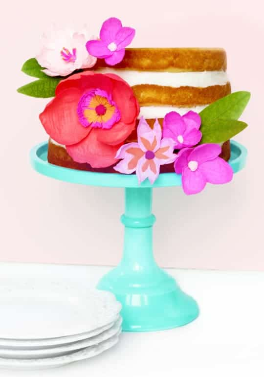 DIY paper flower cake topper - Sugar & Cloth