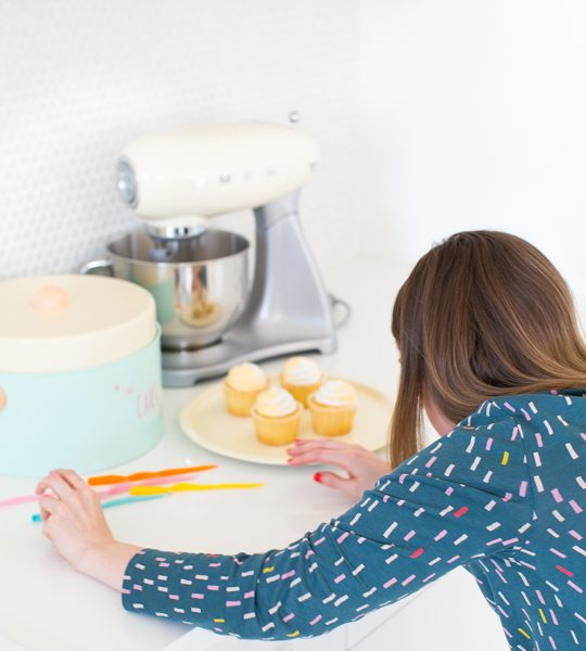behind the scenes of Sugar & Cloth - retro cake stand DIY