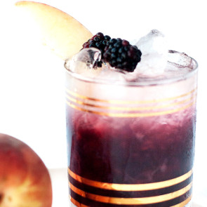 Peach and Blackberry Bramble Cocktail Recipe