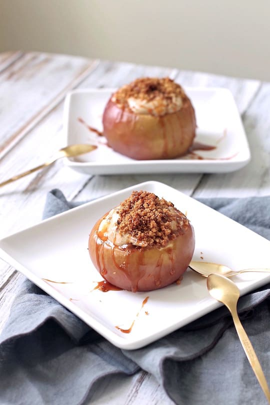 Caramel-Apple-Cheesecake-Stuffed-Baked-Apples-2