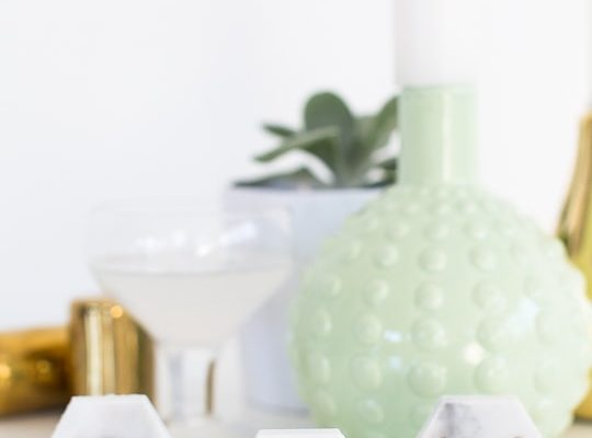DIY carrara marble place cards - sugar and cloth