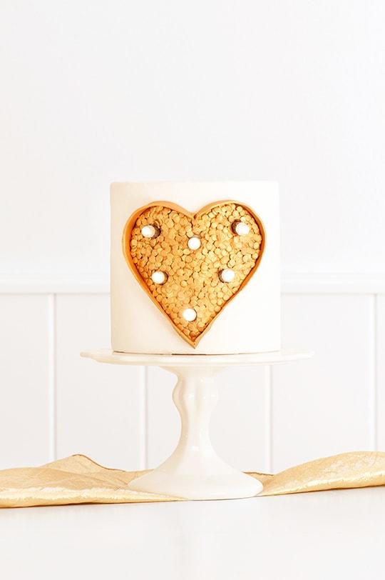 DIY marquee light cake - sugar and cloth