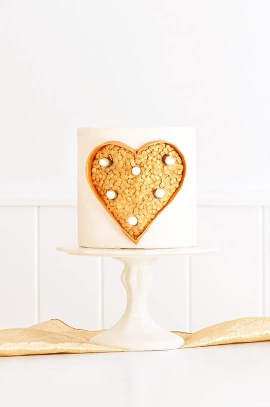 DIY marquee light cake - sugar and cloth