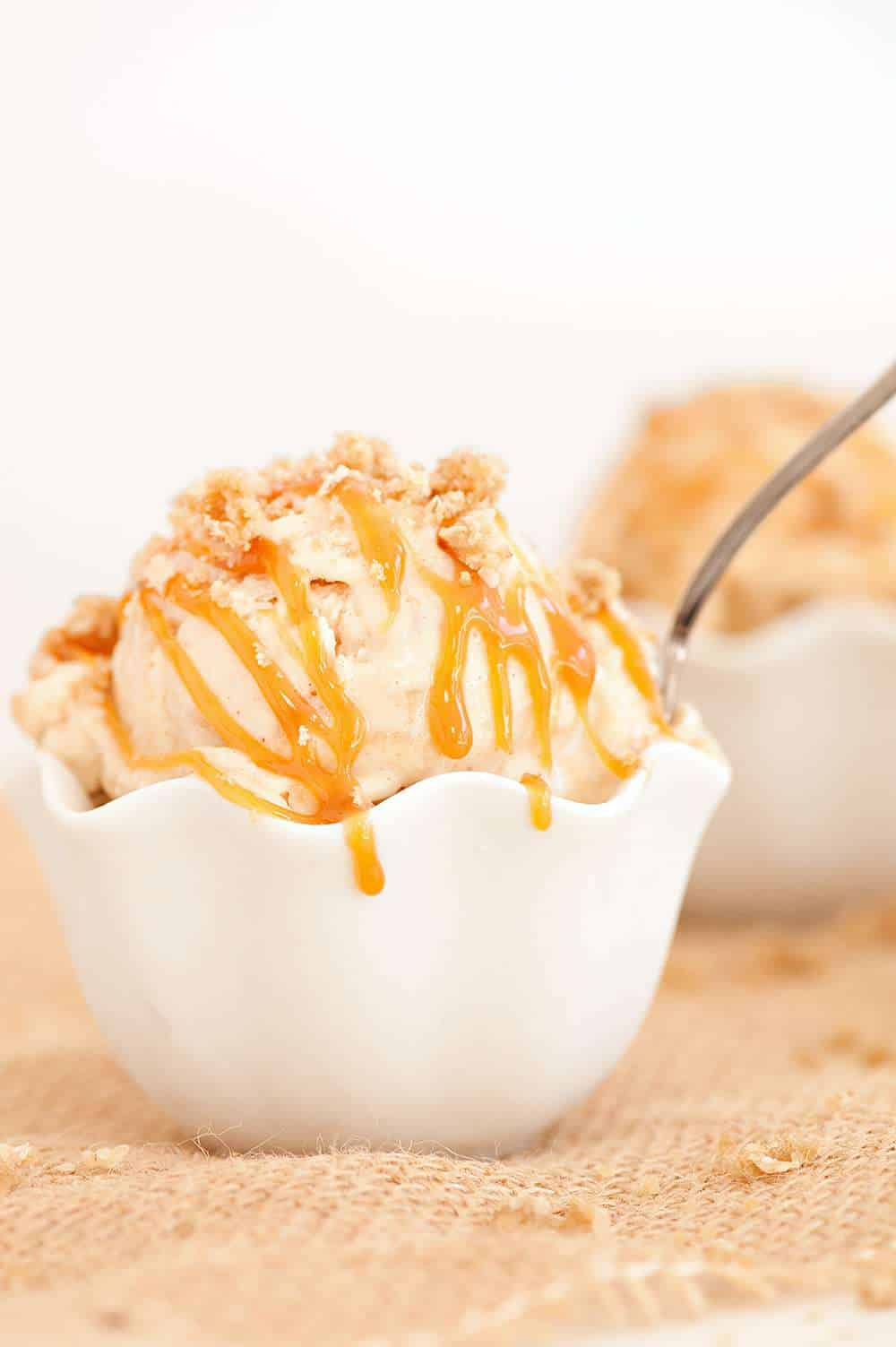 caramel apple crumble ice cream recipe - sugar and cloth