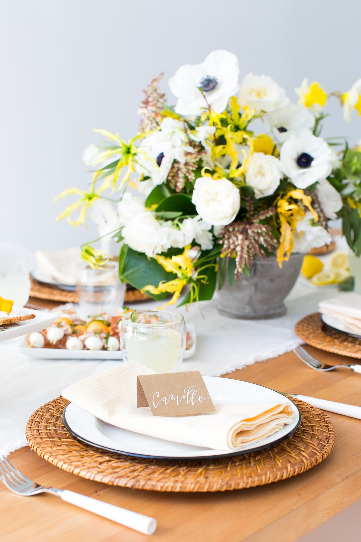 DIY Napkins and A Modern Spring Tablescape - sugar and cloth - easter - spring