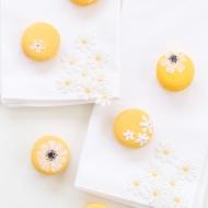 DIY wildflower macarons - sugar and cloth