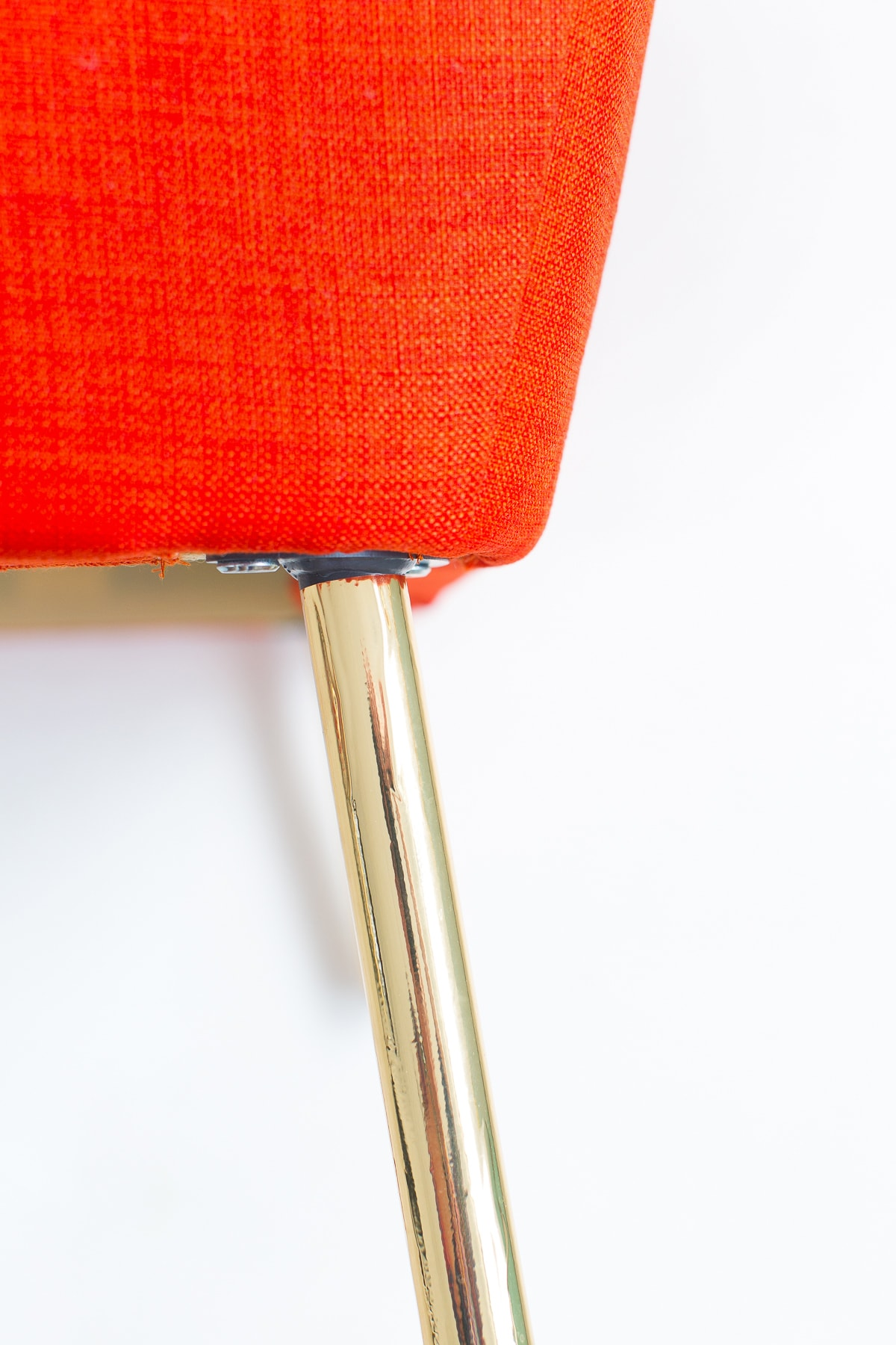All of the details on how to make these super simple DIY metallic gold legs on Sugar and Cloth! - home decor - houston blogger - ashley rose