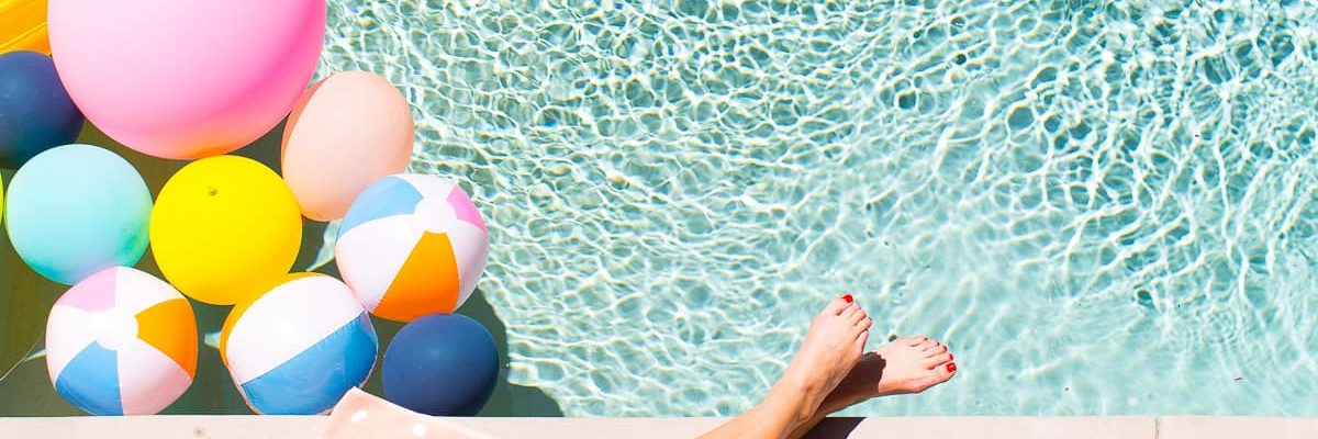 Lounging poolside cool with the perfect Spotify Summer playlist! Sugar & Cloth