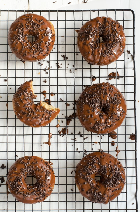 The best baked cake donuts with chocolate glaze recipe around! - sugar and cloth - ashley rose