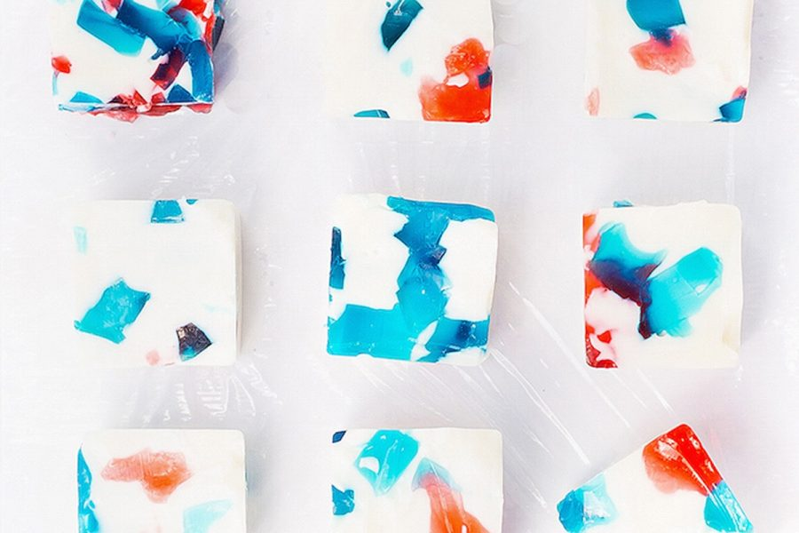 Rining in the 4th of July with this All-American Jello Shots Recipe! - sugar and cloth