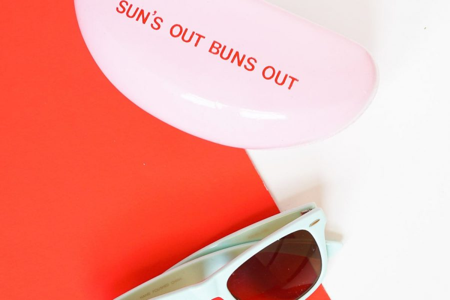 Sun's out, buns out! DIY retro sunglasses case on Sugar & Cloth!