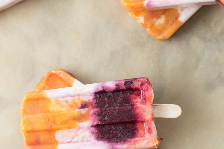 We're celebrating the last bit of Summer with this roasted peach and cherry popsicles recipe! - sugar and cloth - blogger