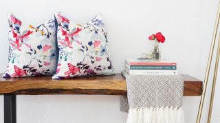 No-Sew Envelope Pillows Made from Napkins