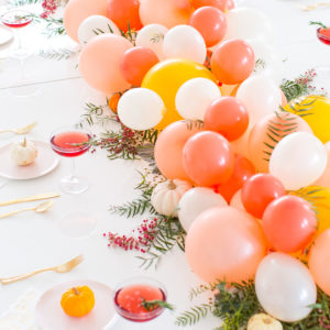 DIY Balloon Friendsgiving Table Centerpiece ( + A Cocktail Recipe Too!)