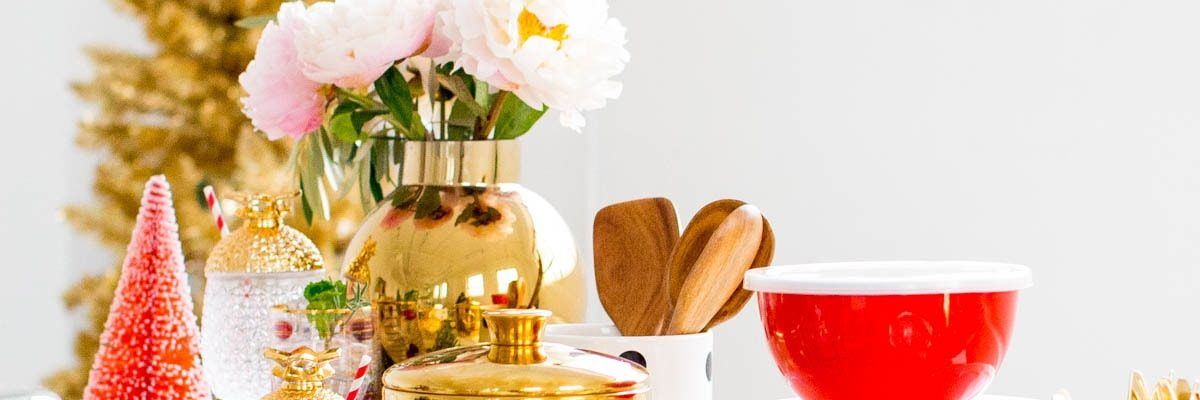 the gift guide for people who love to entertain - by lifestyle blogger Ashley Rose of Sugar & Cloth - Houston
