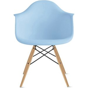 This Eames Style Armchair is one of Sugar & Cloth's favorite home decor finds.